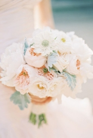 peony-wedding-flowers-bouquets-peach