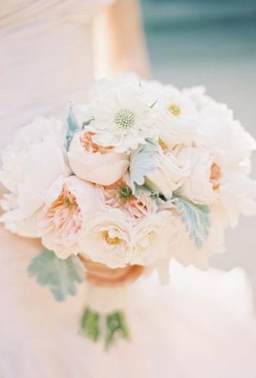 peony-wedding-flowers-bouquets-peach